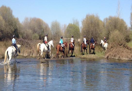 Ruta a caballo con menú típico